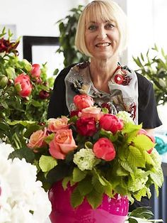 JANE PACKER is one of the world's most influential florists. She championed the vision that flowers are as exciting as fashion and interior design, but entirely more accessible. Her passion for flowers and inspiration taken directly from nature has revolutionised the horticulture industry.