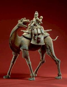 Tan'g China - Tang Dynasty late 8th century - Funeral figure - Bactrian Camel, Riders, and Dogs