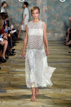 Tory Burch - Runway - Spring 2016 New York Fashion Week: A model walks the runway wearing Tory Burch Spring 2016 at Avery Fisher Hall at Lincoln Center for the Performing Arts on September 15, 2015 in New York City.
