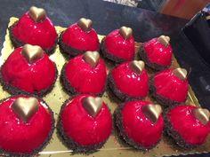 Ζαχαροπλαστείο Μελίνα Cheesecake, Desserts, Food, Cheesecake Cake, Tailgate Desserts, Deserts, Cheesecakes, Essen, Dessert