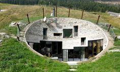 La villa Vals, une maison troglodyte presque invisible !
