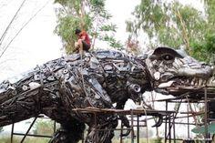 Metal T-rex dinosaur - World biggest scrap metal art sculpture - recycled metal…