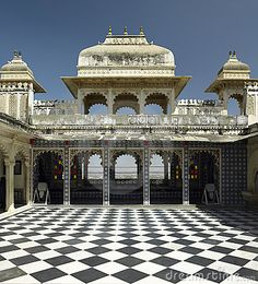 Udaipur City Palace - Rajasthan - India by Steve Allen, via Dreamstime