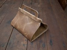 How to: Make a Leather Lunch Tote » Man Made DIY | Crafts for Men « Keywords: food, bag, diy, fashion