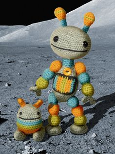 ao with <3 / Nut-&-Bolt crochet amigurumi robots so cute and kawaii I must make these