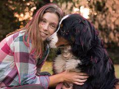 Hoy le dedico este post a India que cumple 8 años 🐶💛✨ y les dejo un texto muy lindo que un día encontré por ahí. Los que no lo conocen, tomense unos minutitos y léanlo porque vale la pena 🙌🏼 ⠀⠀⠀⠀⠀⠀⠀⠀ ⠀⠀⠀⠀⠀⠀⠀⠀ ••Un niño de seis años explica por qué los perros viven menos que las personas. Un mensaje sencillo y real. ⠀⠀⠀⠀⠀⠀⠀⠀ ⠀⠀⠀⠀⠀⠀⠀⠀ •• Soy veterinario. Me llamaron para examinar a un perro llamado Belker. Los dueños del animal, Ron, su esposa Lisa y su pequeño Shane, estaban muy apegados… Ron, India, Couple Photos, Animals, Worth It, Simple, Meet, People, Illustrations