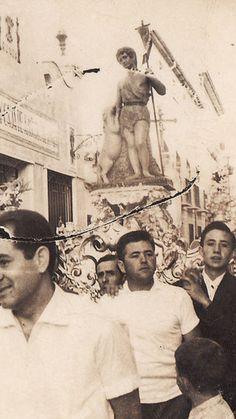 Antigua fotografia de la procesion del patrón