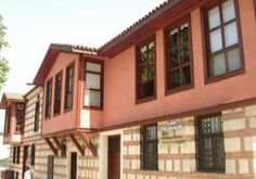 #Edirne #EdirneHotels - #EdirneCenter - Tasodalar Hotel - http://www.edirnehotels.com/tasodalar-hotel - Hotel Information: Address: Selimiye Camii Arkası Tasodalar Sokak No:03, 22100 Edirne, Edirne Center The Tasodalar Hotel is located in Edirne's metropolis centre, simply behind the Selimiye Mosque. The lodge has a backyard with terrace and spacious rooms with Ottoman-type ...