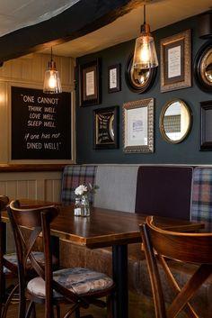 20 Pub Interior for Brilliant Room Arrangement Idea Plywood Furniture, Design Furniture, Deco Restaurant, Restaurant Design, Cafe Interior Design, Cafe Design, Irish Pub Decor, Irish Pub Interior, Room Arrangement Ideas