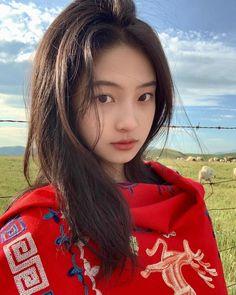 Ulzzang Korean Girl, Cute Korean Girl, Asian Girl, Uzzlang Girl, Insta Photo Ideas, Girl Photography Poses, Aesthetic Pictures, Asian Beauty, Pretty Girls