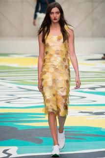 Burberry Prorsum Spring 2015 Ready-to-Wear - Collection - Gallery - Look 3 - Style.com
