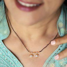 Jewelry Design Earrings, Gold Earrings Designs, Necklace Designs, Beaded Jewelry, Real Gold Jewelry, Gold Jewelry Simple, Gold Mangalsutra Designs, Indian Jewelry Sets, Gold Choker