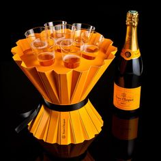 The panel of judges of The Dieline Awards 2014 have awarded R'Pure Studio's Fashionably CLICQUOT Place in the Wine & Champagne category. Champagne Bar, Champagne Taste, Champagne Region France, Wine Pics, Orange Party, Dom Perignon, Veuve Clicquot, Wine Bottle Holders, Wine Drinks