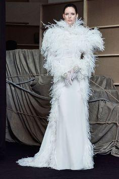 http://www.vogue.com/fashion-shows/fall-2017-couture/francesco-scognamiglio/slideshow/collection