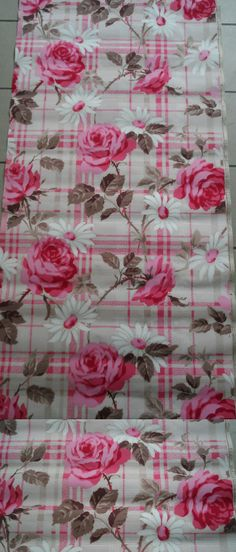 trendy ideas for flowers roses wallpaper print patterns Rose Wallpaper, Decoupage Paper, Rose Cottage, Vintage Flowers, Illustrations Posters, Flower Power, Floral, Print Patterns, Bloom