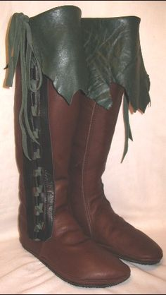 Artisan Made Leather Moccasins COMICON Renaissance Boots Buffalo Larp Medieval Custom Handmade by Debbie Leather - 2019 Elf Boots, Shoe Boots, Leather Moccasins, Leather Boots, Green Leather, Larp, Renaissance Boots, Fairy Shoes, Moccasin Boots