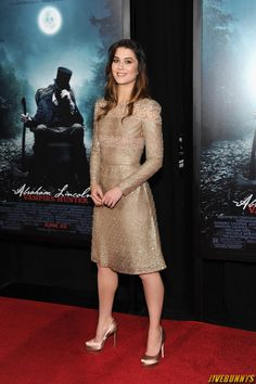 Mary Elizabeth Winstead Photo Gallery | Mary Elizabeth Winstead Sexy Photos Gallery 3