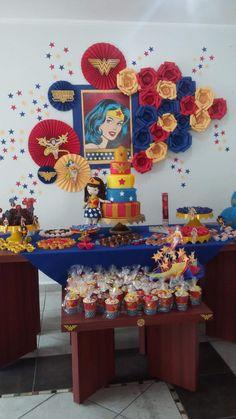 Eu mereço algo assim! Wonder Woman Birthday, Wonder Woman Party, Birthday Woman, Anniversaire Wonder Woman, Girl Superhero Party, Adult Birthday Party, Supergirl, Party Time, Decoration