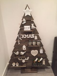 Our Xmas tree for our boy who's allergic to real trees and dusty artificial trees Pallet Christmas Tree, Christmas Mood, Christmas Makes, Noel Christmas, Rustic Christmas, Xmas Tree, Christmas Crafts, Christmas Ornaments, Pallet Tree