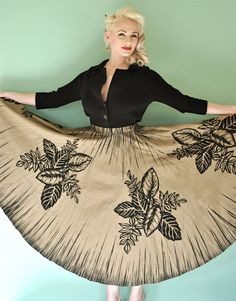 Vintage 1950s Tiki Style Mexican Circle Skirt (best of both worlds!)..How to make: buy a circular table cloth, take your waist measurements, fold material in half with a circular clear ruler measure out 1/2 of your waist plus a little ease if you want to use elastic. If using a zipper make it to fit. no need to hem as it already has one!