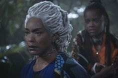Black Panther Hairstylist Camille Friend on the Film's Empowering Looks: 'Black People Are Beautiful' Shuri Black Panther, Black Panther 2018, Black Panther Marvel, Black Girls, Black Women, Letitia Wright, Angela Bassett, Star Wars, Geek Fashion