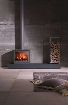 I like the idea of the modern elevated hearth for the wood burning stove. Wood Burning Stove Insert, Wood Burning Fireplace Inserts, Wood Burning Fires, Home Fireplace, Fireplace Design, Fireplaces, Casa Patio, Freestanding Fireplace, Log Burner