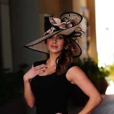 Formal black and peach hat. Formal hat for races, Royal Ascot, weddings - hats for women Kentucky Derby Outfit, Kentucky Derby Fashion, Derby Attire, Derby Outfits, Ascot Outfits, Chapeaux Pour Kentucky Derby, Royal Ascot Hats, Stylish Hats, Fancy Hats