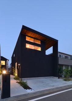 閉鎖感を緩和しつつもプライバシーを確保した黒壁の家・間取り(東京都日野市) | 注文住宅なら建築設計事務所 フリーダムアーキテクツデザイン