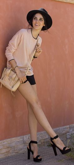Soft Pink Sweater Casual Streetstyle #theything #theclassything