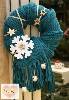Winter door wreath - deco - # winter door wreath Winter door wreath - decoration - # Winter Türkranz Knitting , lace processing is probably the most beautiful hobb. Wreaths And Garlands, Xmas Wreaths, Door Wreaths, Winter Wreaths, Christmas Mood, Noel Christmas, Christmas Crafts, Christmas Ornaments, Mery Crismas