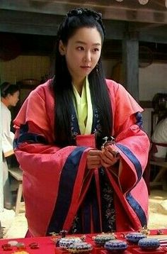 Korean Traditional Dress, Traditional Fashion, Traditional Dresses, Seo Hyun Jin, Hyun Jae, My Sassy Girl, Korean Dress, Moon Lovers, Beautiful Costumes