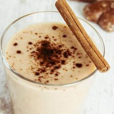Fat free milk keeps the calories down and coffee added to our Original French Vanilla Shake Mix will satisfy your urge for a cold and easy coffee beverage. Apple Smoothies, Yummy Smoothies, Yummy Drinks, Smoothies Coffee, Healthy Milkshake, Milkshake Recipes, Milk Shakes, Vanilla Shakeology, National Coffee Day