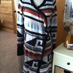 Free People ROLLA COASTER AZTEC SWEATER JACKET M Free People Rolla Coaster Aztec Long Maxi Sweater Jacket,size Medium. Multi colored . Excellent like new condition! No Flaws. :) Free People Sweaters Cardigans