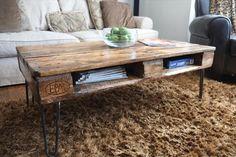 DIY Pallet Skid Coffee Table with Metal Legs | Pallet Furniture DIY