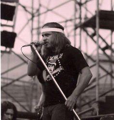Ronnie Van Zant of Lynyrd Skynyrd — pre-hat days