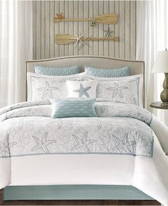 Beach Style Bedroom Ideas - Make your bedroom a relaxing escape with a beach themed bedroom. Check Out 35 Cool Beach Style Bedroom Layout Ideas. Take pleasure in. Bedroom Themes, Bedroom Decor, Bedroom Beach, Beach Room, Bedroom Styles, Beach Fun, Bedroom Ideas, Maya Bay, Full Comforter Sets