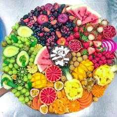 Cute Food, A Food, Cobb Salad Ingredients, Party Food Platters, Fruit Platters, Comidas Fitness, Watermelon Cake, Charcuterie And Cheese Board, Food Places