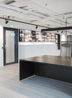 Moderne kontorlokaler, Oslo - Nyfelt og Strand Interiørarkitekter Oslo, Kitchen Island, Home Decor, Modern, Island Kitchen, Decoration Home, Room Decor, Home Interior Design, Home Decoration