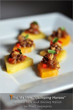 Thai Minced Pork and Shrimp Relish (Ma Haw) - Thai food has a long tradition of spicy ground meat-based dips and relishes served with raw sliced vegetables Curry Recipes, Pork Recipes, Seafood Recipes, Asian Recipes, Thai Recipes, Easy Delicious Recipes, Yummy Food, Thai Appetizer, Meals