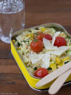 30-MinutenBox #2: Risoni-Salat mit Zucchini, Paprika und Tomaten…