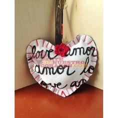 Heart Ornament: love & amor by Susie Carranza. Available at www.ArtedeNuestroCorazon.com. Perfect Valentine gift! #heart #corazon #valentine #love #amor #susiecarranzastudio