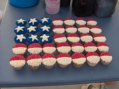 Fourth Of July Cupcakes This is simply cupcakes with buttercream icing using a star tip to decorate with in a flag pattern, very simple. Fourth Of July Cakes, 4th Of July Desserts, Fourth Of July Food, 4th Of July Celebration, 4th Of July Party, Holiday Desserts, July 4th, Holiday Treats, Patriotic Cupcakes