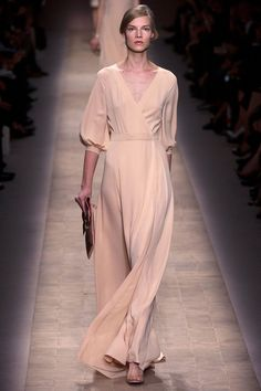 Valentino. Spring 2013 Ready to Wear. I love Valentino. This peach gown is simple but has that classic Valentino touch of romance in it.