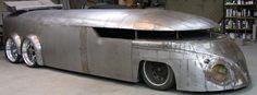 Imagem de http://s1.cdn.autoevolution.com/images/news/what-happened-to-the-craziest-vw-bus-ever-85829_1.jpg.