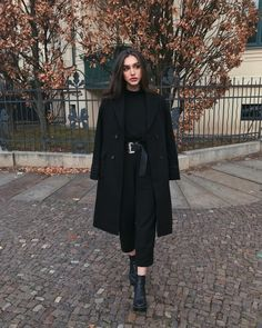 Fashion Hacks Clothes Women's Fashion Let sophistication make your statements.Fashion Hacks Clothes Women's Fashion Let sophistication make your statements. Winter Fashion Outfits, Modest Fashion, Fall Outfits, Winter Coat Outfits, Summer Outfits, Mode Ootd, Mode Hijab, Classy Outfits, Casual Outfits