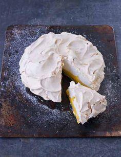 Lemon merangue pie by Paul Hollywood Paul Hollywood, Mary Berry, Merangue Recipe, Yummy Treats, Sweet Treats, Yummy Food, Lemon Recipes, Baking Recipes, Recipes