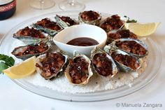Oysters Kilpatrick (must try with bacon jam! Birthday Appetizers, Appetizers For Party, Appetizer Recipes, Christmas Lunch, Christmas Cooking, Aussie Christmas, Australian Christmas, Fish Recipes, Seafood Recipes