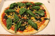 Auch wenn es kein spezielles veganes Angebot bei dem Pizzalieferdienst gibt kann man seine Pizza vegan bestellen - eben wie Natalie einfach ohne Käse!