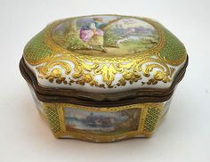 ANTIQUE 19thC FRENCH SEVRES STYLE HAND PAINTED PORCELAIN ORMULU MOUNTED BOX