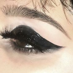 """Find and save images from the """"make up and nails 💄💅"""" collection by ssandrarose (ssandrarose) on We Heart It, your everyday app to get lost in what you love. Grunge Makeup, Goth Makeup, Makeup Art, Beauty Makeup, Hair Makeup, Maquillage Cosplay Anime, Maquillage Goth, Makeup Goals, Makeup Inspo"""